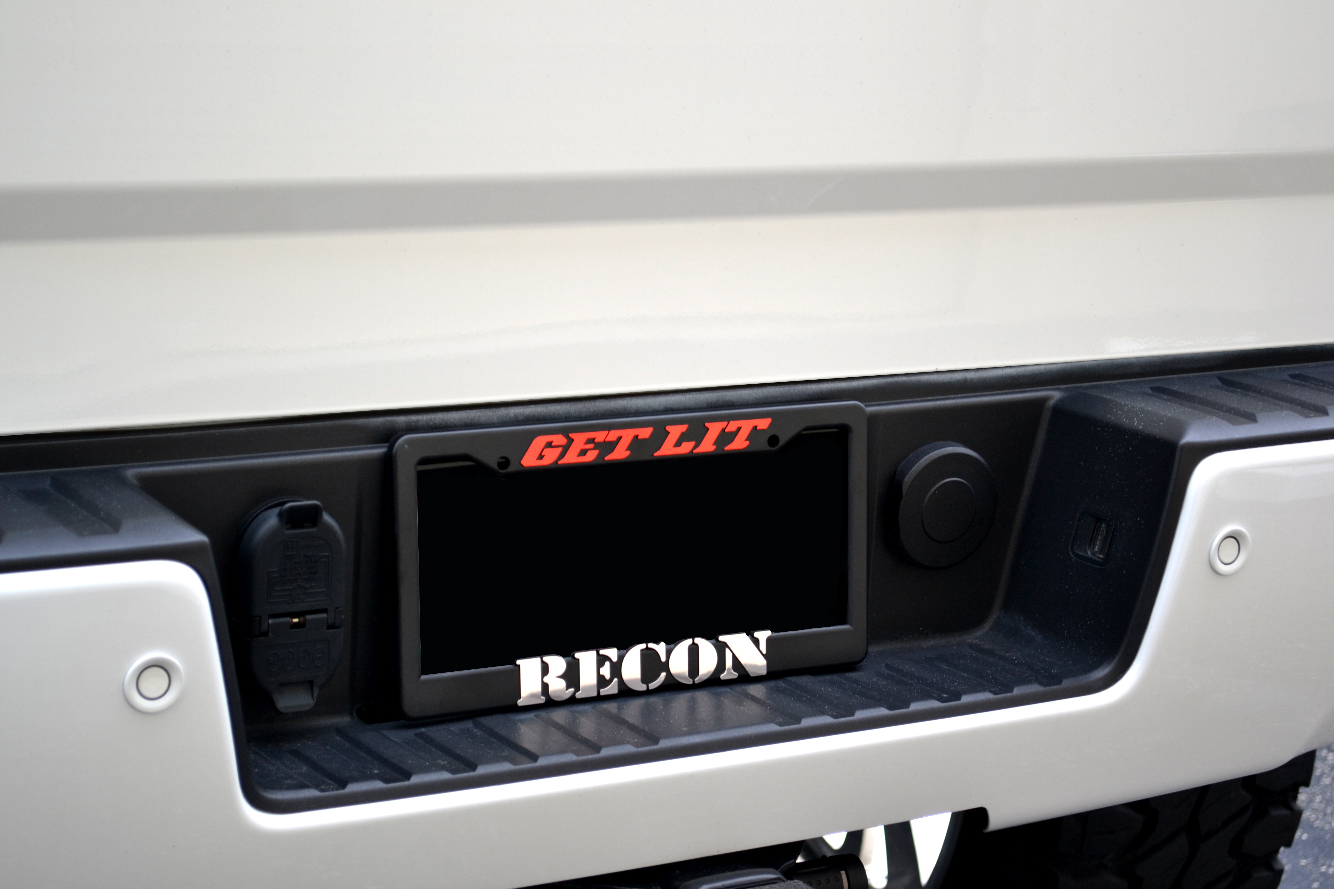 GET LIT Recon Plate Frame - Truck & Car Parts - 264330 | RECON Truck ...