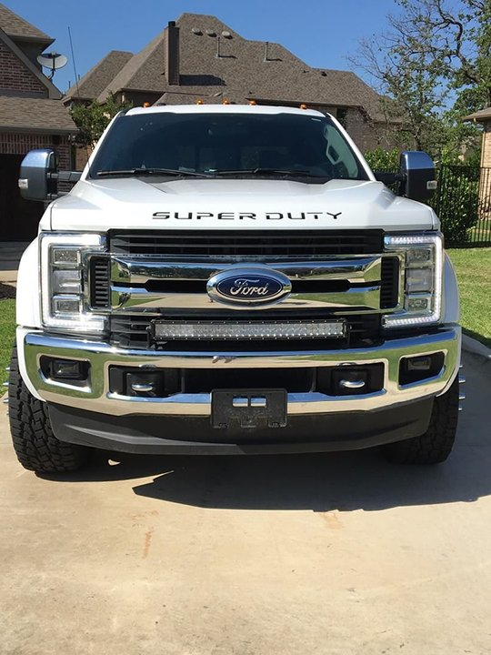 Ford Super Duty 17-19 Acrylic Emblem Inserts in Black